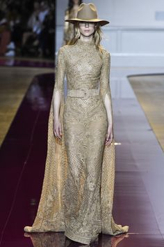 Lebanese fashion designer Zuhair Murad presented his highly anticipated Haute Couture Fall 2016 Collection at Paris fashion week Couture fall/winter Style Couture, Couture Outfits, Couture Dresses, Couture Fashion, Runway Fashion, Fashion Dresses, Fashion Goth, Fashion Week, Fashion Show