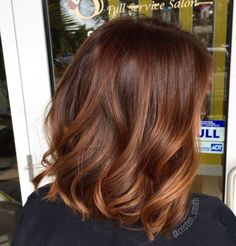Hair Highlights - Cinnamon pumpkin spice latte ☕️ free painted and toned with Matrix color sync Hair Day, New Hair, Bob Balayage, Auburn Hair Balayage, Balayage Brunette, Cinnamon Hair Colors, Hair Color Auburn, Carmel Brown Hair Color, Short Auburn Hair