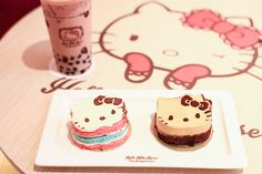 HELLO KITTY HOUSE HAS LANDED IN BANGKOK! Few things in life are as pleasurable than dining at a pink Hello Kitty-themed house, with the cutest desserts and