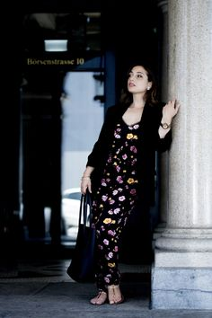 Discover how to wear a black jumpsuit with floral print for the perfect summer outfit. Jumpsuit Outfit, Black Jumpsuit, Winter Outfits, Summer Outfits, The Last Summer, Sunnies, September, Floral Prints, Appetizers