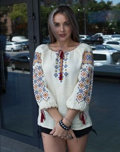 "Вышиванка женская ""Лiтнє поле"", лен Folk Fashion, Ethnic Fashion, Womens Fashion, Ethno Style, Bohemian Style, Oh My Dress, Ukrainian Dress, Mexican Dresses, Boutique Tops"