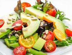 Basische Ernährung fördert die Entsäuerung des Körpers und hilft gegen Übersäuerung. www.ihr-wellness-magazin.de
