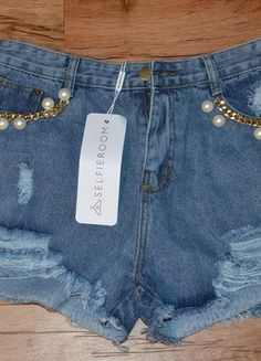 Kup mój przedmiot na #vintedpl http://www.vinted.pl/damska-odziez/szorty-rybaczki/15264944-spodenki-grunge-jeans-z-selfieroom