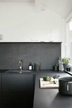 Black-and-White-Kitchen-Designs-9.jpg 700×1054 pixels