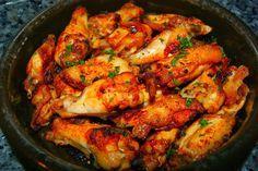 Alitas de Pollo fritas al Ajillo ~ El .G de Sasa Tasty Videos, Tandoori Chicken, Paella, Chicken Wings, Shrimp, Food And Drink, Cooking Recipes, Meat, Ethnic Recipes