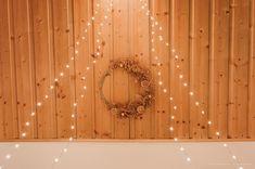 DIY : couronne de Noël naturelle en fougères séchées - C by Clemence Curtains, Blog, Home Decor, Fern Bouquet, Crowns, Blinds, Decoration Home, Room Decor, Draping
