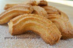 Krumiri deliziosi biscottini piemontesi ottimi per colazione, con il caffè o con il tè.