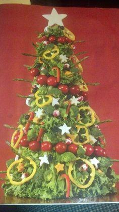 Christmas vegetable platter