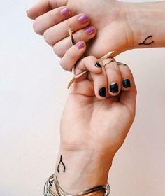 Tatuagem amizade Osso da sorte  Minimalista