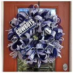 Cowboys Wreath- We need one! Wreath Crafts, Diy Wreath, Diy Crafts, Wreath Ideas, Dallas Cowboys Wreath, Dallas Cowboys Football, Football Crafts, Football Wreath, Cowboy Crafts