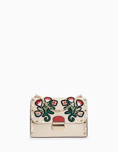 At Stradivarius you'll find 1 Messenger bag with large embroidered flowers for just 1190 Philippines . Visit now to discover this and more null.