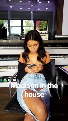 paulephamous via Instagram Stories.  (October 29th, 2016) #Madisonbeer