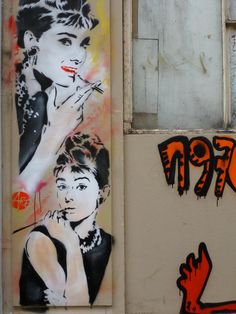 Tribute to BREAKFAST AT TIFFANY'S, an American film directed by Blake Edwards in 1961, by artist NICE ART in Paris, France  www.streetartcinema.com - Documenting Cinephilia in Urban Art around the world.