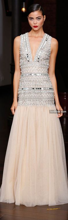 Naeem Khan Resort 2014 Fashion Show Love Fashion, High Fashion, Fashion Show, Couture Fashion, Runway Fashion, Jobs For Women, Dress Vestidos, Beautiful Gowns, Playing Dress Up