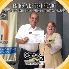 """Entrega de Certificado al Ing. Guillermo Mendoza por haber realizado la """"Inducción Básica Desarrollo de Asesor Century21 Guayana Plaza"""". Seguimos creciendo!  #BienesRaíces #inmuebles  #Guayana  #pzo  #realtor  #realtorlifestyle"""