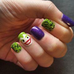 Joker why so serious Love Nails, How To Do Nails, My Nails, Maquillage Harley Quinn, Mani Pedi, Manicure, Superhero Nails, Seasonal Nails, Halloween Nail Art