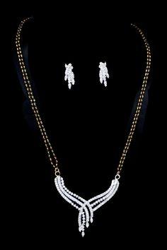 Diamond Mangalsutra, Diamond Jewellery, Gold Jewelry, Jewellery Designs, Jewelry Patterns, Diamond Pendant Necklace, Necklace Set, Soldering Jewelry, Delicate Jewelry