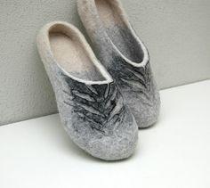 Chaussons femme chaussons Pantoufles unisexes sabots de laine de pantoufles de laine organiques chaussons gris feutrés chaussons gris blanc noir feutre traditionnelle