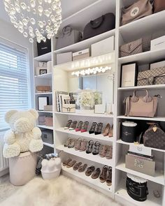 The way you decorate your home is somehow similar to choosing beautiful clothes to wear on a daily basis. An impressive interior decoration of your home or office is essential for your own state of mind, if nothing else. Dressing Room Decor, Dressing Room Closet, Dressing Room Design, Decor Interior Design, Interior Decorating, Interior Ideas, Modern Closet, Luxury Closet, Glam Closet