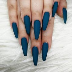 Your nails are as decorative as your handbag, shoes and jewelry. So it's important to keep their fashion and popularity. In order to achieve your style in this season, there is no better choice than coffin nails. The tip of the coffin is square and Summer Acrylic Nails, Best Acrylic Nails, Acrylic Nail Designs, Summer Nails, Perfect Nails, Gorgeous Nails, Pretty Nails, Gel Nails, Nail Polish