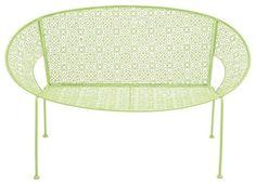 The Cool Metal Green Garden Bench fra Modern Furniture Warehouse