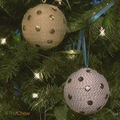 Day 1: Thumbtack #Ornament! #Christmas #TheChew #Craft #DIY