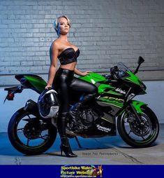 Women- Kawasaki Ninja Sportbike - Kawasaki Ninja - ID: 675866 Lady Biker, Biker Girl, Chicks On Bikes, Motorbike Girl, Motorcycle Gear, Ninja Girl, Hot Bikes, Biker Chick, Up Girl