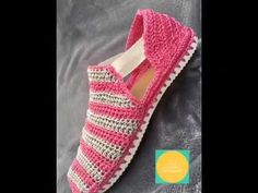 61 Ideas Crochet Patterns Tutorial Boot Cuffs For 2019 Crochet Baby Sandals, Crochet Boots, Crochet Slippers, Diy Crochet, Crochet Slipper Pattern, Crochet Flower Patterns, Hand Embroidery Videos, Crochet Videos, Knitting Yarn