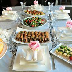 ezogelin çorba,tavuklu beğendi,avcı böreği,zeytinyağlı biber dolması,salata ve ekmek kadayıfı tatlısı yaptım. dav
