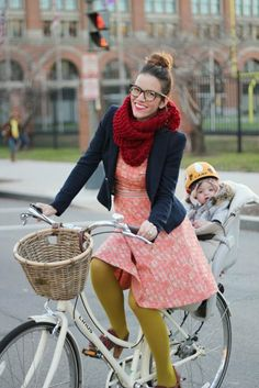 Naomi Davis, my favorite blogger, and her sweet daughter Eleanor. Amazing style, beautiful family, and just an all around cool life. Also, she's a Juilliard alumna!
