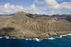Diamond Head Crater - Diamond Head is the classic Volcanic view as the back-drop to Waikiki beach.