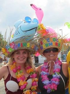 We tend to go a little overboard with our hats for a Jimmy Buffett concert, but who doesn't love inflatables?