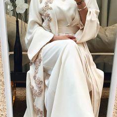 Best formal dresses Ready-made range available at. Modern Hijab Fashion, Arab Fashion, Muslim Fashion, Modest Wear, Modest Dresses, Modest Outfits, Mode Abaya, Mode Hijab, Hijab Elegante