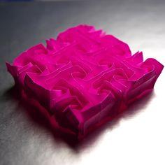 Rosa de Cristall (Tessel·lació d'origami) / Crystal Rose (Origami Tessellation) by diecerll, via Flickr