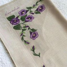 Cross-Stitch flowers stitch with purple and green colors. Bargello, Green Colors, Purple Flowers, Amigurumi, Hand Embroidery, Sewing Projects, Napkins, Cross Stitch, Diy Crafts