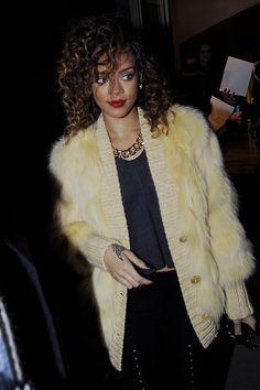 Rihanna Pairs Fur Cardigan with Flawless Curls & Pretty Red Pout!  #parisfurCardigan #rihannadress