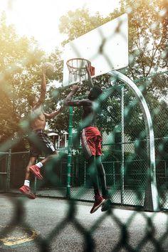 Street Basketball, I Love Basketball, Michael Jordan Basketball, Basketball Shooting, Photography Lessons, Urban Photography, Creative Photography, Street Photography, Portrait Photography