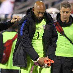 Tim Howard could miss rest of MLS playoffs with adductor injury - source