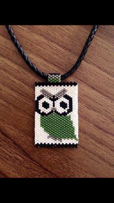 Baykuş Peyotte kolye Seed Bead Necklace, Seed Bead Jewelry, Beaded Jewelry, Pendant Necklace, Bead Loom Patterns, Peyote Patterns, Beading Patterns, Peyote Beading, Beaded Animals