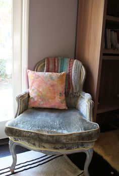 my sweet, muted pillow in action