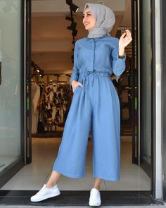 The very word conjures up images of gorgeous Muslim girls with pretty sca… - hijab outfit Hijab Fashion Summer, Modest Fashion Hijab, Modern Hijab Fashion, Street Hijab Fashion, Casual Hijab Outfit, Hijab Fashion Inspiration, Hijab Chic, Muslim Fashion, Look Fashion