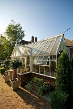 What Is Greenhouse Farming? Greenhouse Farming, Lean To Greenhouse, Greenhouse Effect, Backyard Greenhouse, Greenhouse Growing, Greenhouse Plans, Greenhouse Wedding, Homemade Greenhouse, Cheap Greenhouse