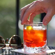 Check this out: Negroni. https://re.dwnld.me/6w8J-negroni
