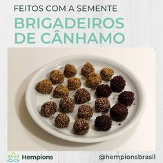 Que delicia! Brigadeiros com as sementes de cânhamo. Especialmente os crocantes das sementes torradas são uma experiência. Você sabia que as sementes de cânhamo não têm activos? Mas estão cheias de nutrientes como proteínas, gorduras ómega, fibras, minerais e vitaminas.⁠ Breakfast, Food, Hemp Fabric, Hemp Seeds, Sustainable Fashion, Minerals, Vitamins, Products, Essen