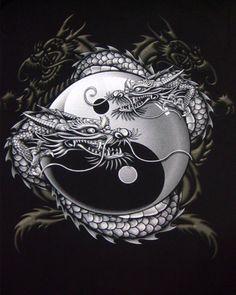 Chinese Dragon Yin-Yang T-shirt Arte Yin Yang, Ying Y Yang, Yin Yang Art, Yin And Yang, Dragon Tattoo Art, Dragon Artwork, Dragon Tattoo Designs, Dragon Yin Yang Tattoo, Celtic Dragon Tattoos