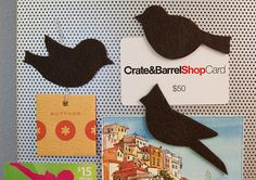 So cute and easy!    Felt bird magnets. Just a piece of felt, with an adhesive magnet in the same shape of the bird on the back