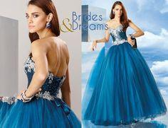 Simplemente...... Hermoso!!! Encuentra este y mucha mas variedad de vestidos de Quince, para que sorprendas a tus invitados. Visítanos en nuestra tienda Brides and Dreams ubicada en Portal de Bodas Guatemala