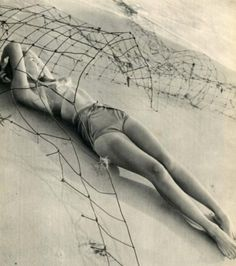 Photographer: Fritz Henlec (1947)