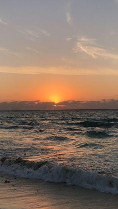 In Santos resort Mexico Ocean Wallpaper, Summer Wallpaper, Nature Wallpaper, Sunrise Wallpaper, Beautiful Wallpaper, Nature Aesthetic, Beach Aesthetic, Aesthetic Backgrounds, Aesthetic Wallpapers