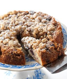 Breakfast Recipes for Gluten-Free Guys and Gals You can make this Gluten-Free Blueberry Coffee Cake in no time.You can make this Gluten-Free Blueberry Coffee Cake in no time. Gluten Free Recipes For Breakfast, Gluten Free Sweets, Gluten Free Breakfasts, Gluten Free Cakes, Gluten Free Cooking, Vegan Gluten Free, Dairy Free, Brunch Recipes, Gluten Free Coffee Cake